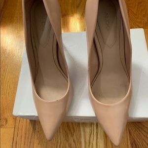 Aldo  Nude Patent Pumps Heels Pointed Toe